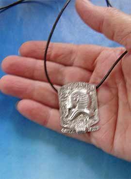 joya faraón Tutankamon de Egipto colgante de plata