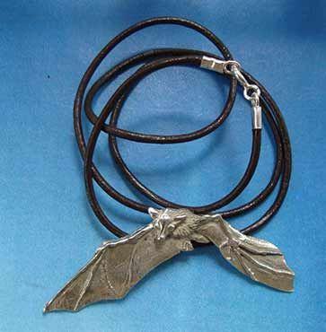 colgante collar murcielago plata