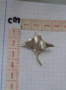 colgante pez manta raya medidas