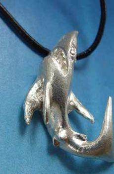 tiburón de plata colgante amuleto