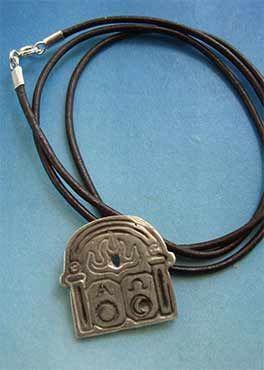 collar puerta alpha omega amuleto