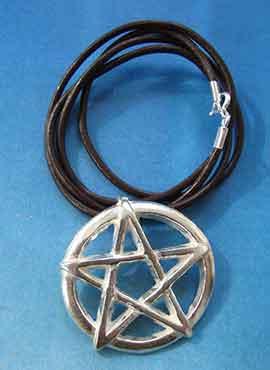 collar del pentáculo pentagrama mágico amuleto wiccano colgante de plata
