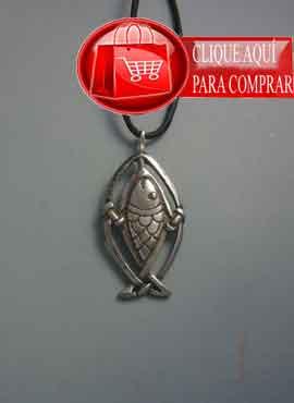 salmón celta de plata, colgante símbolo del héroe Fionn