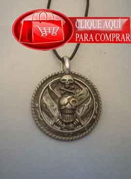 colgante pirata amuleto medalla