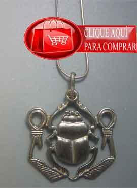 nudo de Isis con escarabajo Jepri. amuleto egipcio