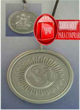 Laksmí y símbolo de Om en medalla reversible