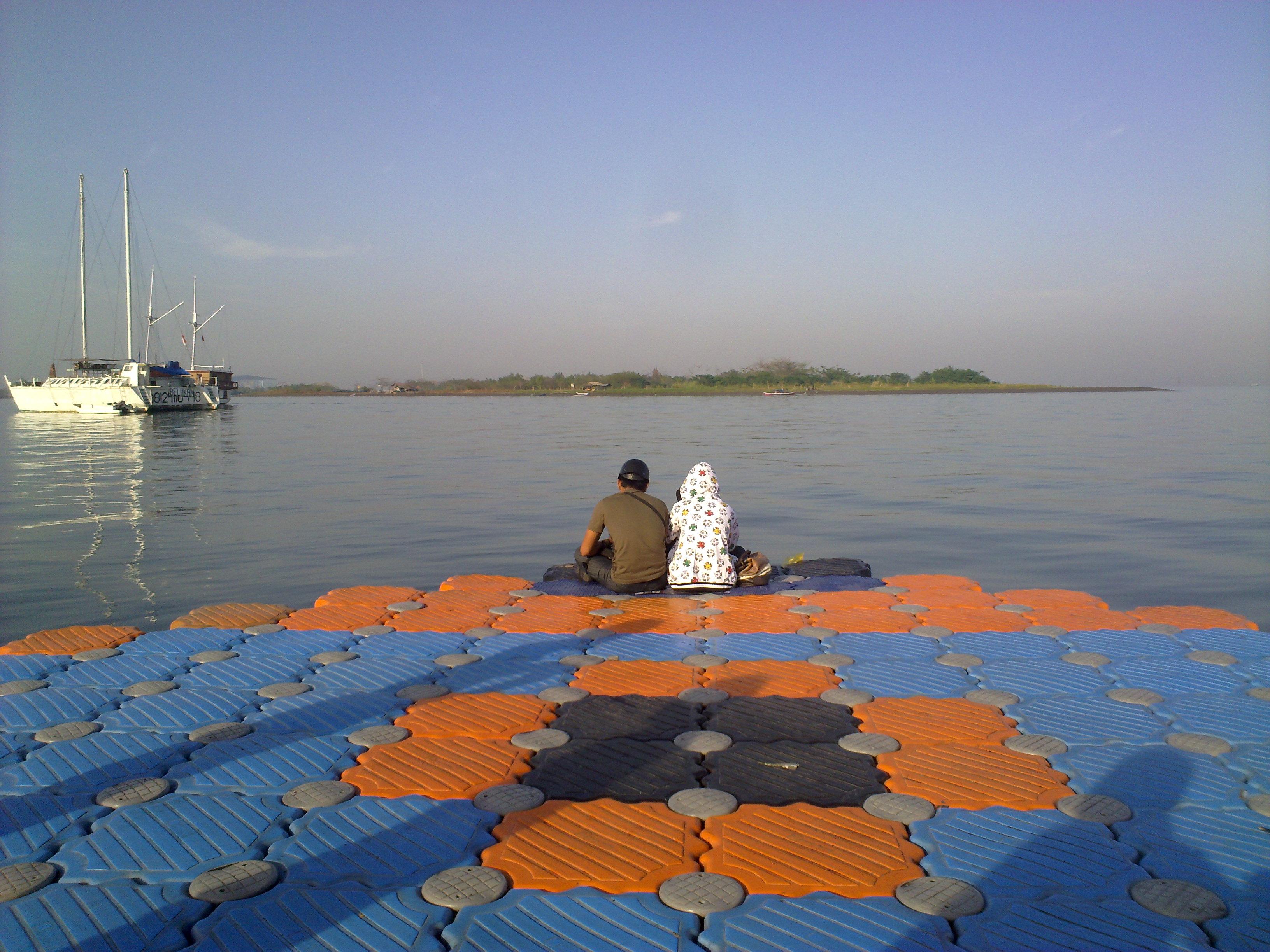 couple in Dermaga Losari