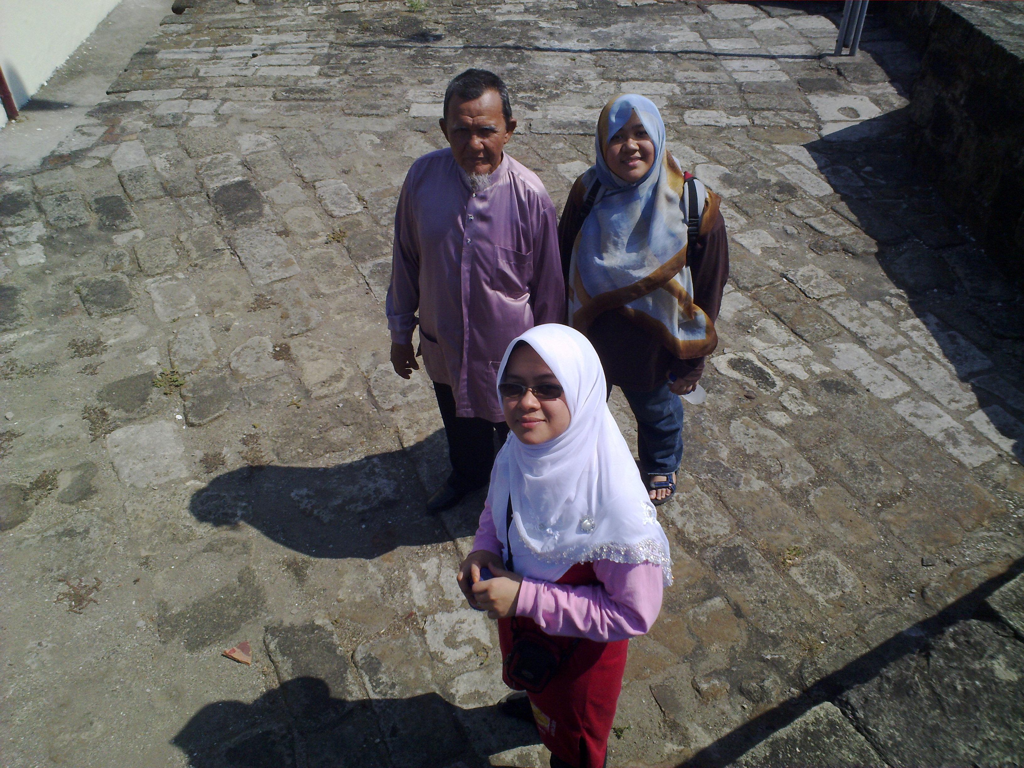 Faiz wit family