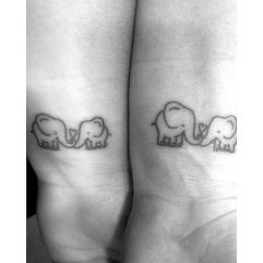 Para mães e filhos (as) elefantes