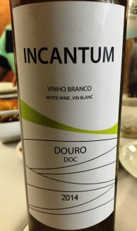 Incantum White