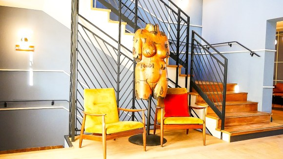 contemporary chic design, Contempory chic design at this vineyard hotel near St-Tropez