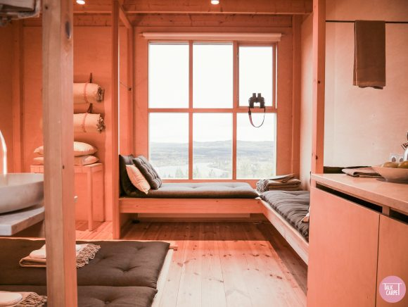 Japandi design, Japandi design at this Swedish mountain cabin