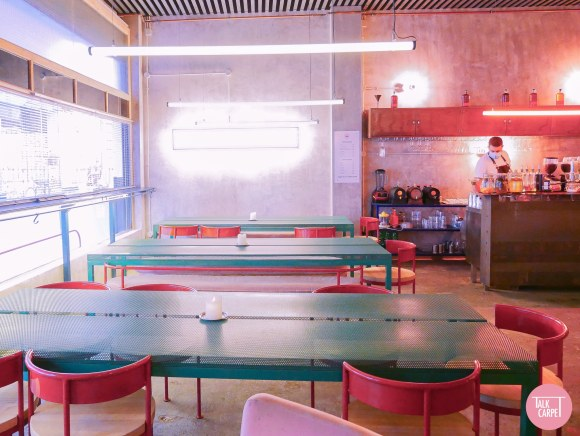 casaplata seville, Casaplata restaurant in Seville marries brutalism with pastel