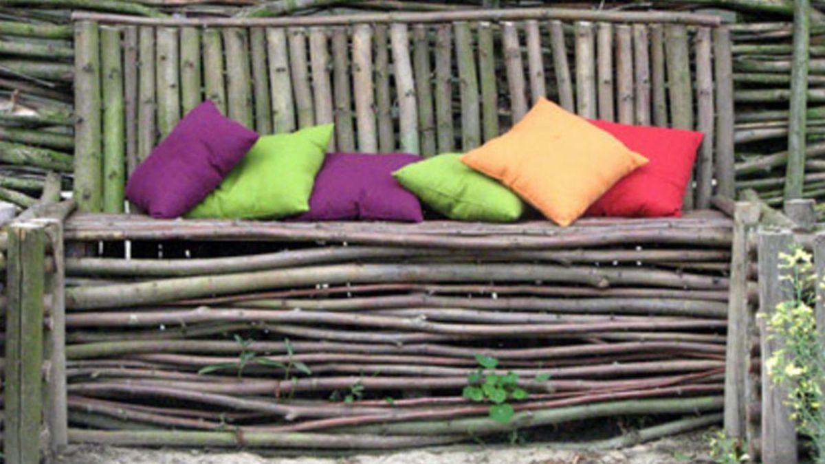 8 Extraordinary Garden Bench Ideas That Will Blow Your Mind