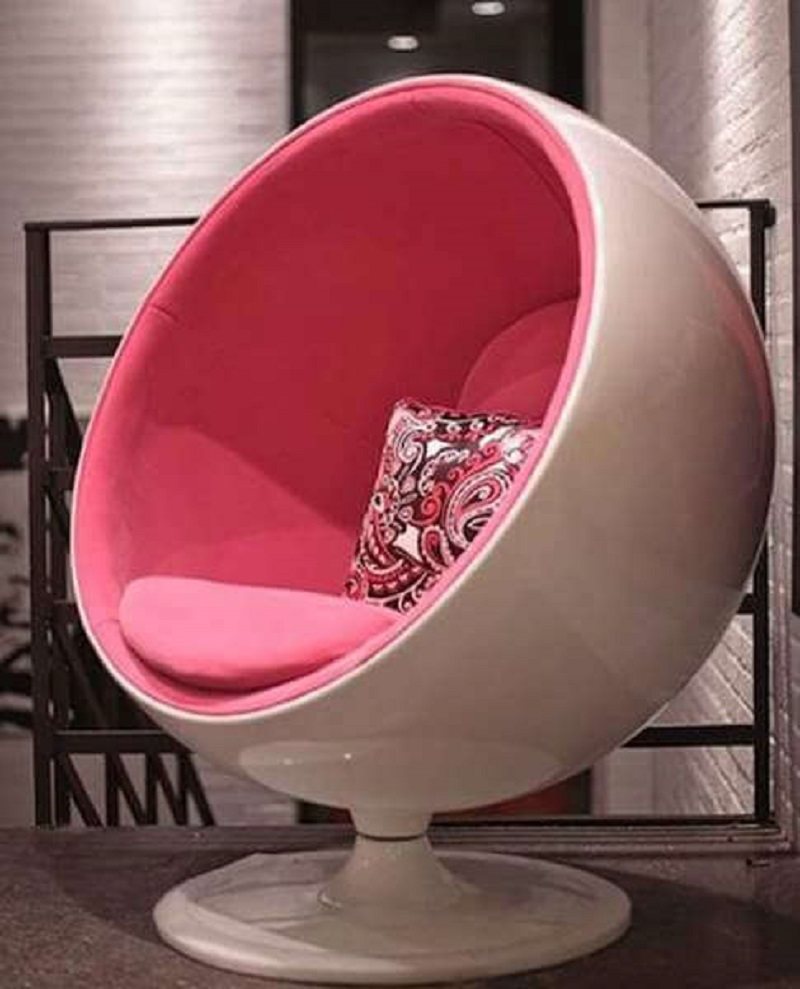 Hard Shell Pod Chair
