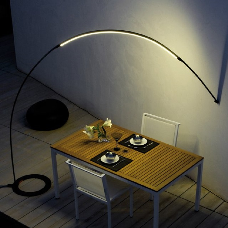 Halley Floor To Wall Lamp