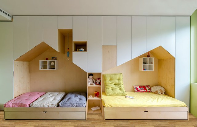 With Twin Beds For Girls