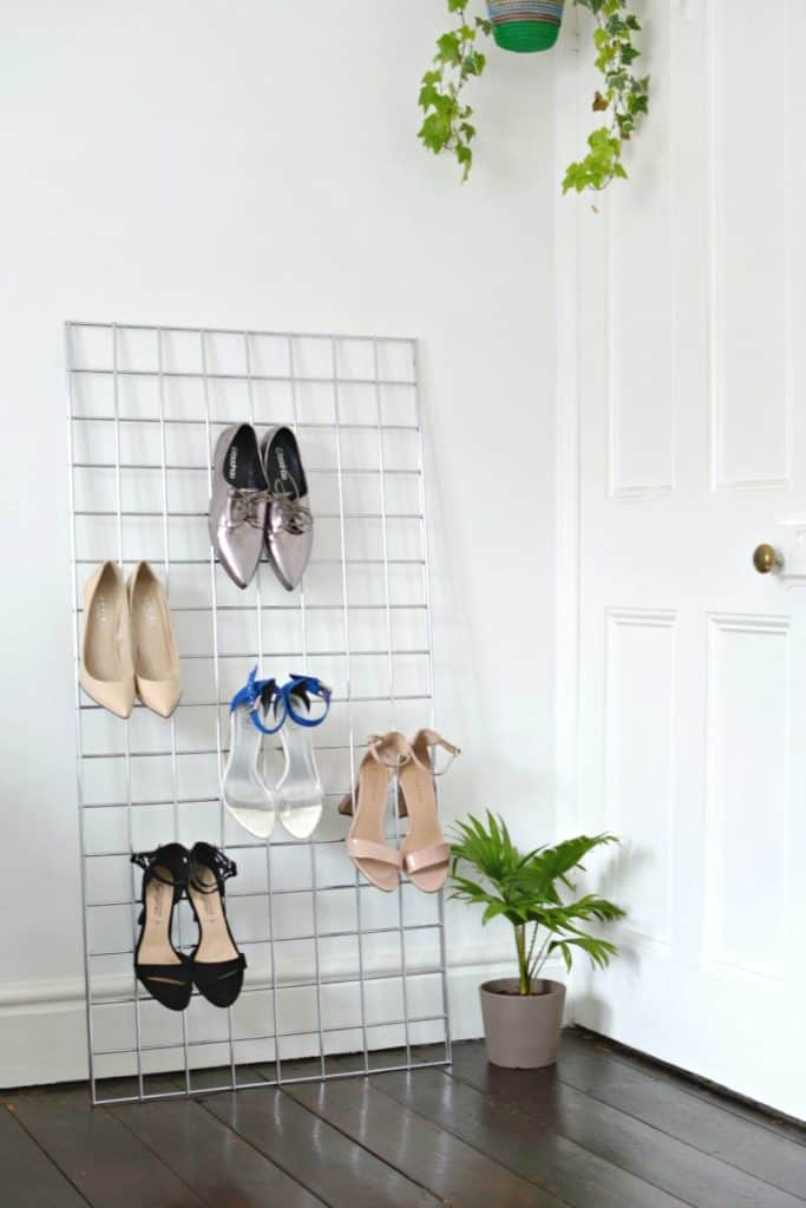 Metal Grid For Storing High Heels