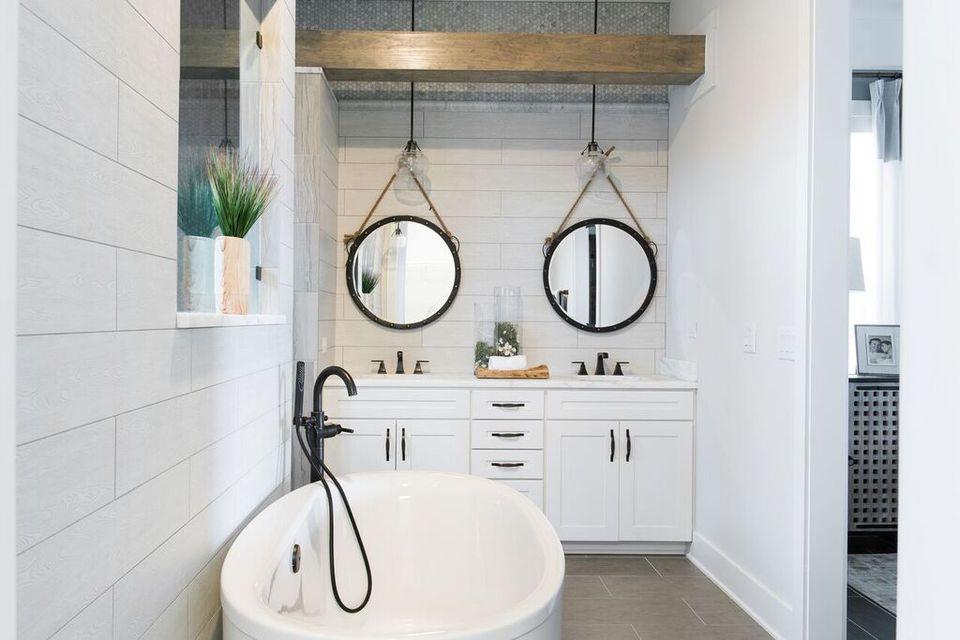 Modern Beach House Bathroom