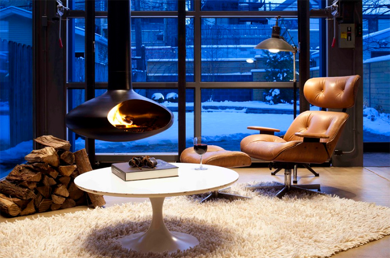 Relaxing Nook With Suspended Fireplace