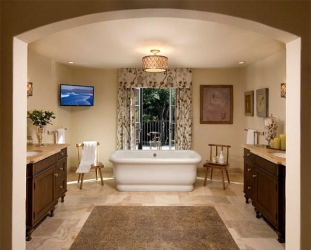 Relaxing Mediterranean Bathroom