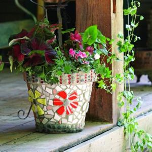 Easy and Creative Flower Pot Ideas to Beautify Your Garden with a Low Budget