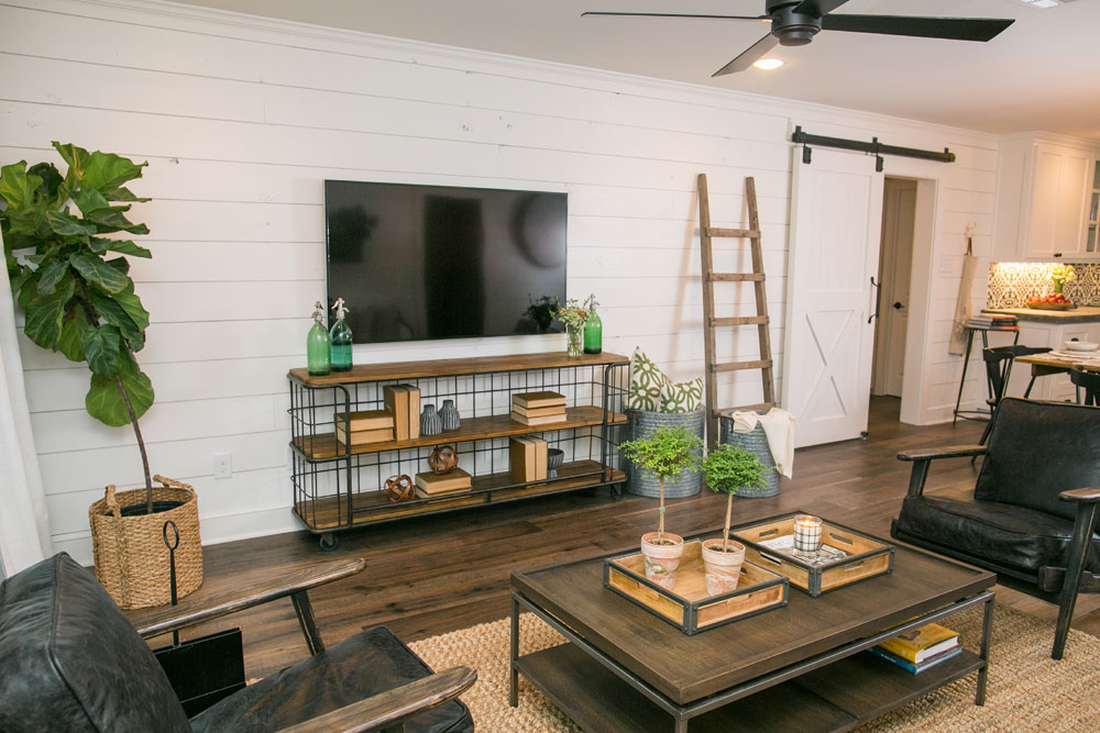 26 Getting the Best Out of Your Living Room with Farmhouse Design