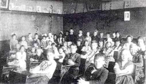 mid-1920s-photograph-of-warren-harding-school-students