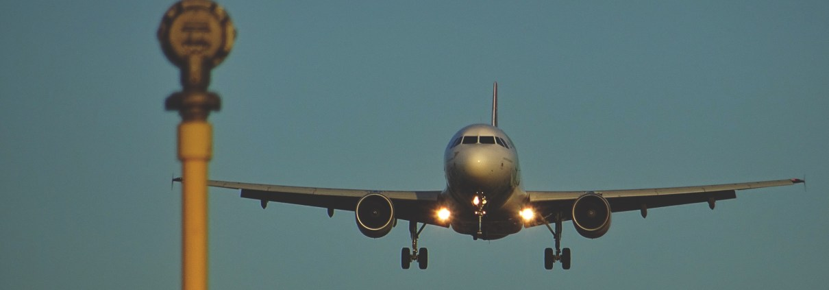 fear of flying - a picture of an aircraft to illustrate that Stuart Cale of Talking-Cure can help this phobia