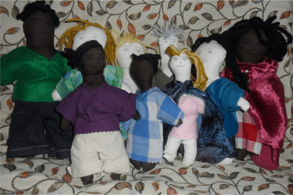 Creative counselling: Rag-doll family for re-enactments