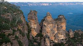 Source: http://en.wikipedia.org/wiki/Three_Sisters_%28Australia%29
