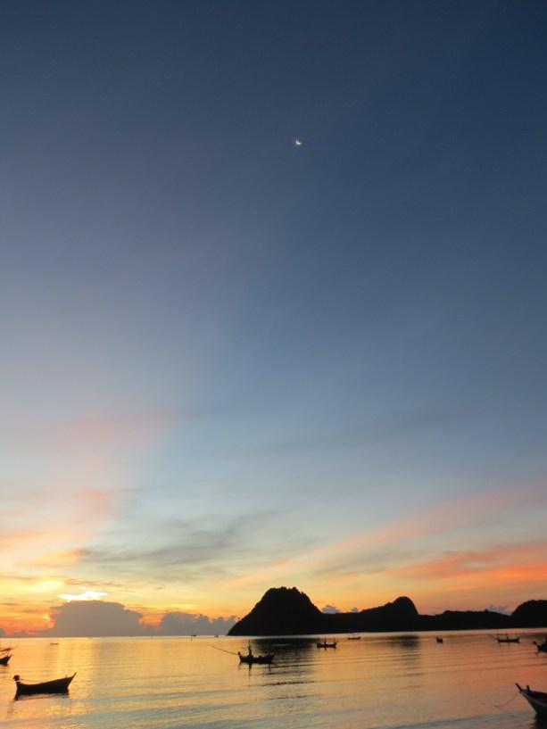 Sunrise in Prachuap Khiri Khan