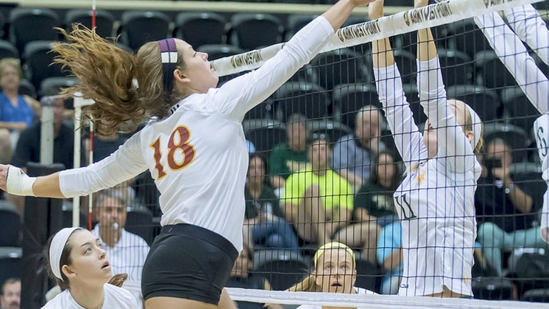 Iona VB Completes Thrilling Come-From-Behind Win