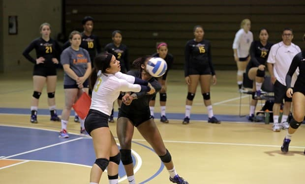 Monroe Volleyball Goes 3-1 in Jacksonville Tournament