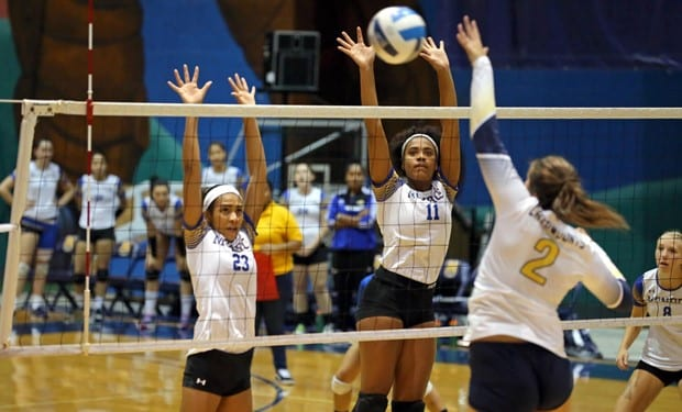 Monroe College Volleyball Goes 3-1 at Iowa Western Tournament.jpg
