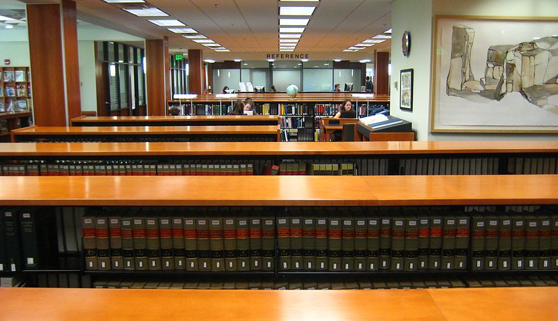 800px-Wolf_Law_Library_books.jpg
