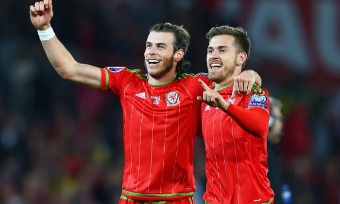 Euro 2016: İngiltere, B Grubu'nda Galler ile berabere kalırken geçmiş ve şimdiki oyuncular tepki gösterdi