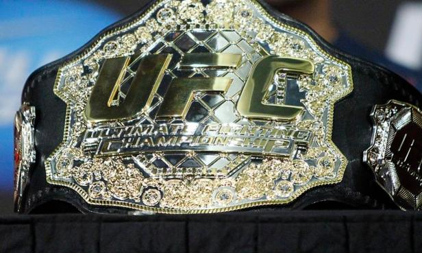 MMA world reacts to the new UFC Legacy Championship Belt - Luke Rockhold is  not happy