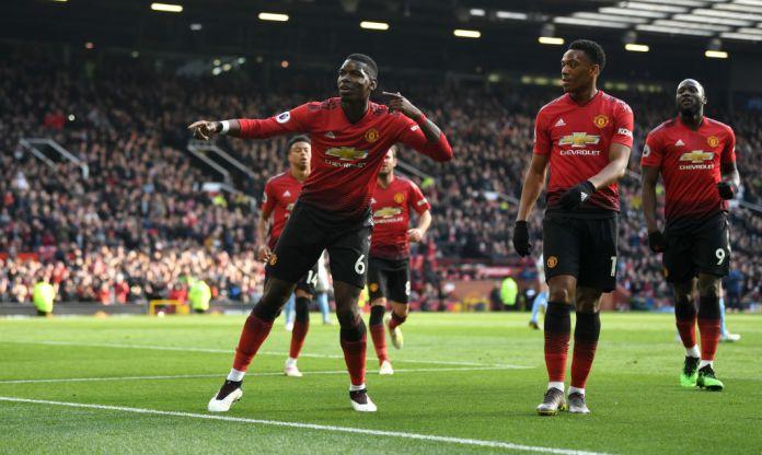 Pogba celebrates its goal of opening