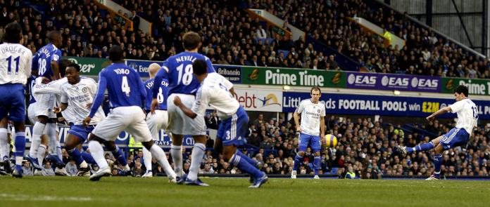 Ballack curls in his free-kick against Everton