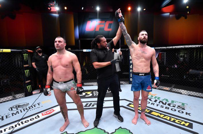 Paul Craig, Mauricio Shogun Rua'yı UFC 255'teki grevlerle vurmaya zorladı
