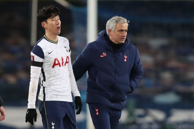 Mourinho speaks to Heung-Min Son