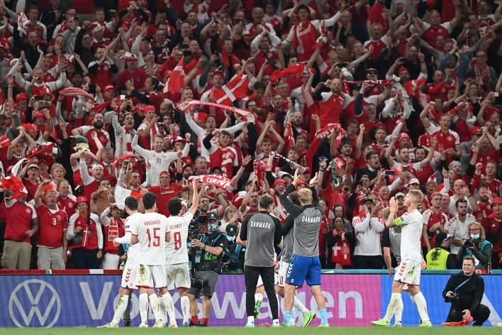Rusya'ya karşı kazanılan zafer, her yerdeki futbol taraftarlarının kalbini ısıttı