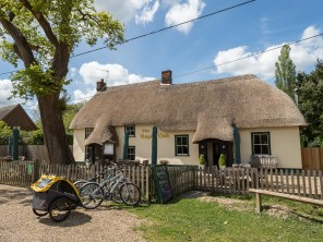 Our first stop, a nice cottage pub and some nice food.