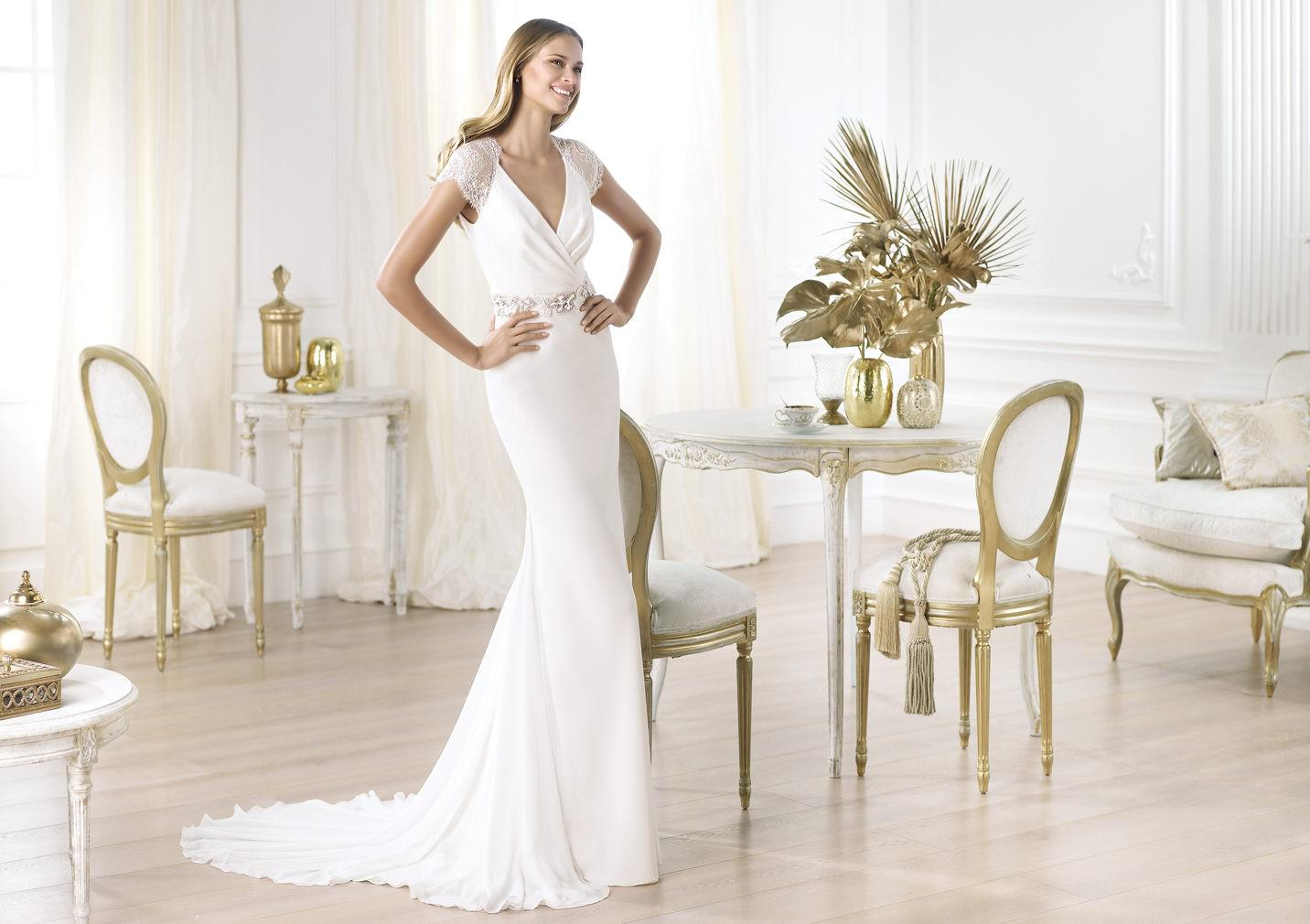 DEAR BRIDES, WHAT WILL YOU WEAR?