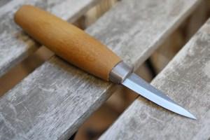 Cuchillo morakniv para tallar madera