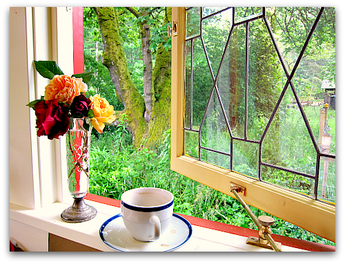 coffee break window seat