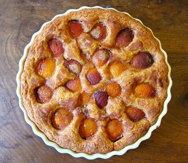 Fruit buckle, apricot in this case: my favorite summer cake.