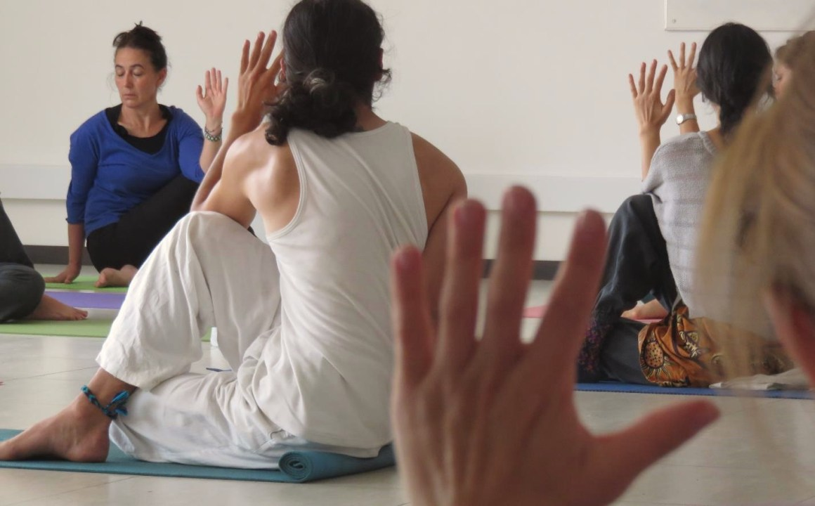 Taller Yoga Asana Colombia