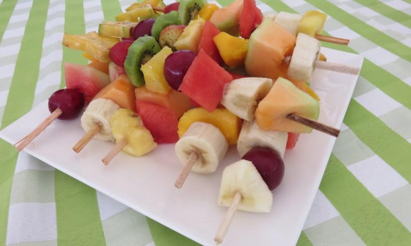 Alimentación Consciente – Refrescantes Brochetas de Frutas